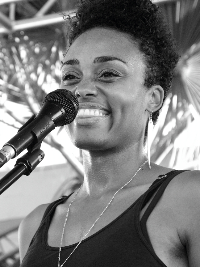 DaM FunK's background singer...Abbott Kinney Festival 2010